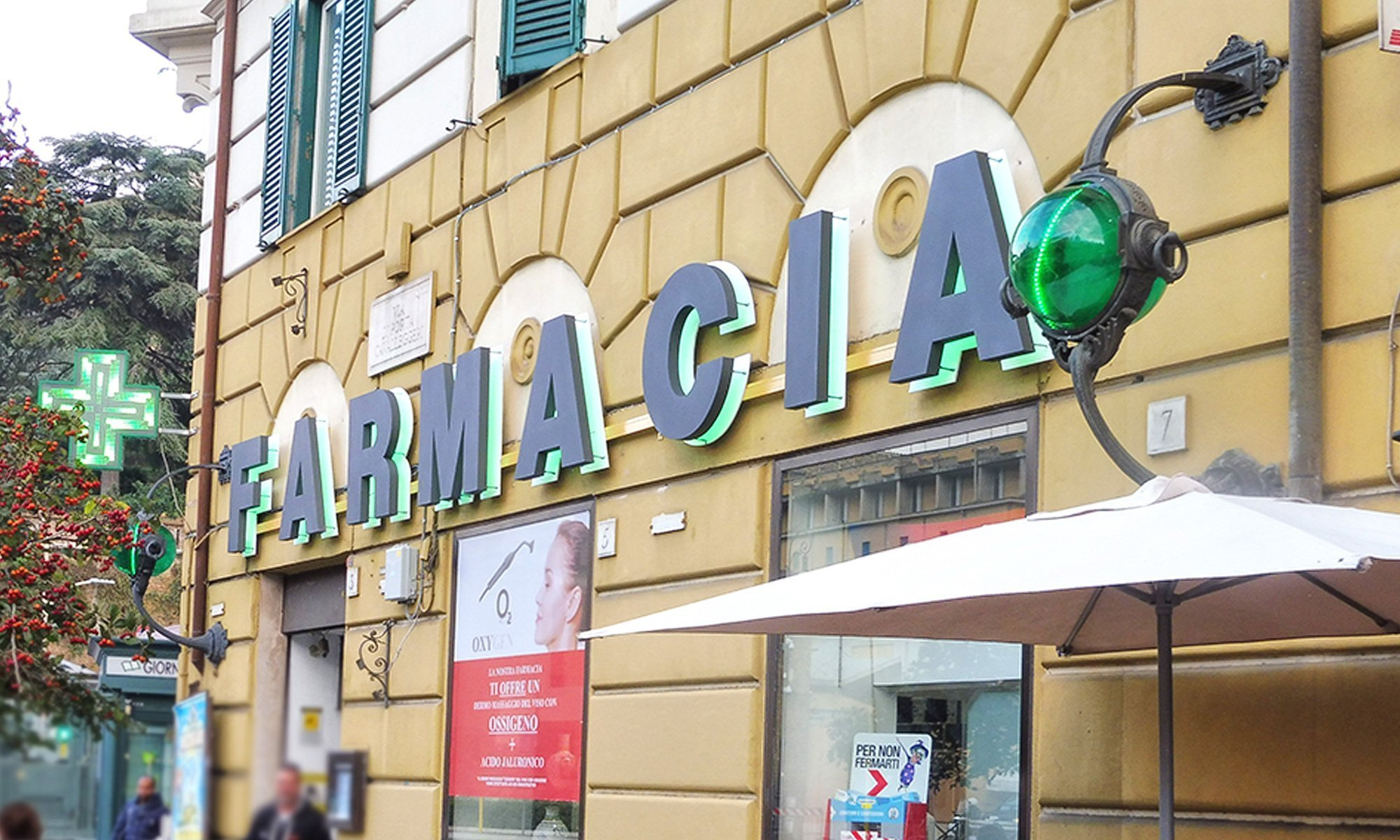 Insegna luminosa LED per farmacia